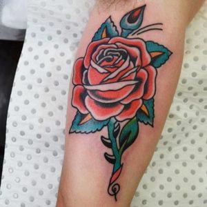Tatuajes Rosas en los brazos